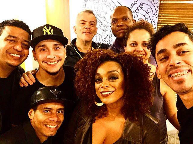 Éh noixxxxxxxx !!!!!! IN Rio... Dobradinha @mpbfm ! Pressão e Muuuuuito amor ! Ôh sorte 🍀❤️