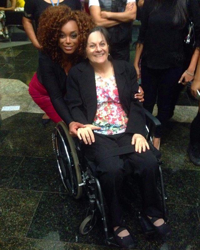 Que honra! Muito obrigada por muito #MariaDaPenha ! #10AnosLeiMariaDaPenha #10oForumBrasileiroDeSegurançaPública #RompaOSeuSilencio #VoceNaoEstaSozinha #Brasília