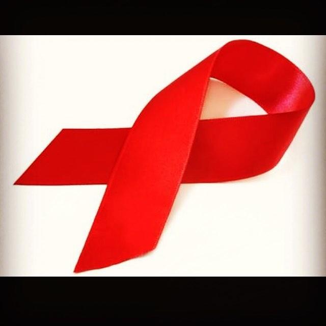 1o de dezembro - Dia Mundial do Combate a Aids! 11.000 pessoas morrem por ano em decorrência da Aids! Podemos mudar essa realidade! Vivamos a Vida com Amor ! Respect and Love ❤️🙏🏾