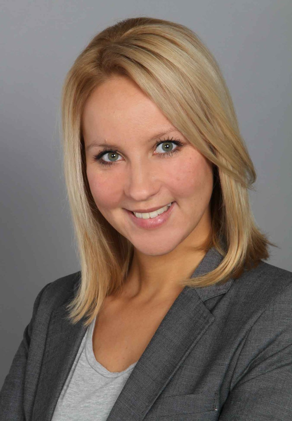 Talea Buchwald, Deutsche Bahn    Senior Portal Manager for the DB Navigator App  Read more   Linkedin Profile Talea