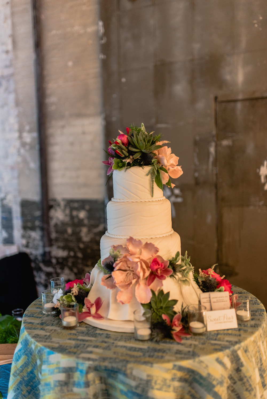 Amanda Marie Studios| Sweet Pea Floral | Amy's Cupcake Shoppe