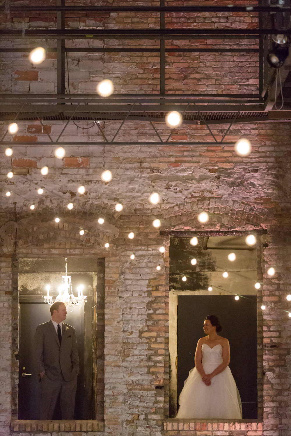 Vendors:Venue:Aria | Photography:Studio 220| Beauty:Primped| Catering:Chowgirls| Floral:Grace Klein Design| Rentals/Decor:Linen Effects| Cake:Cocoa & Fig| Ceremony Music:Lake String Quartet | Officiant:Positively Charmed| Reception Entertainment:Adagio