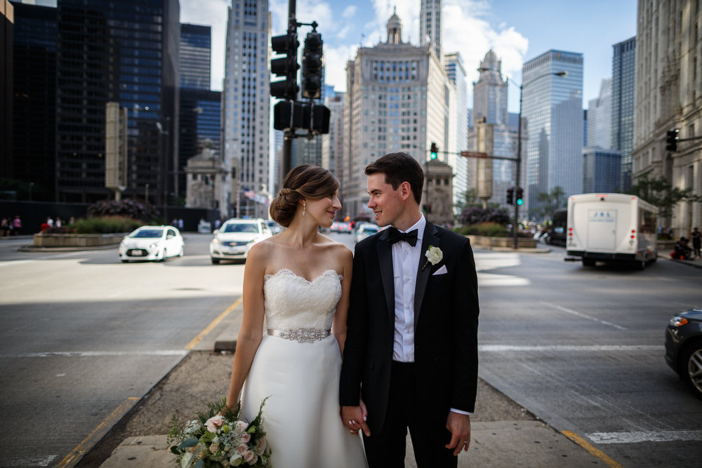 NewlywedsinDowntownChicago
