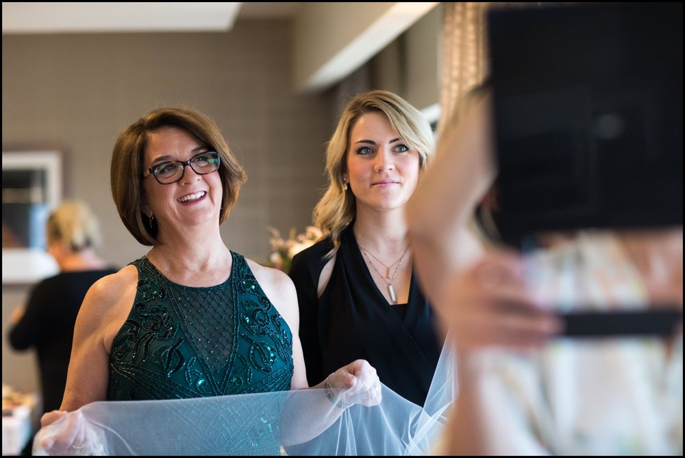 mother helping the bride