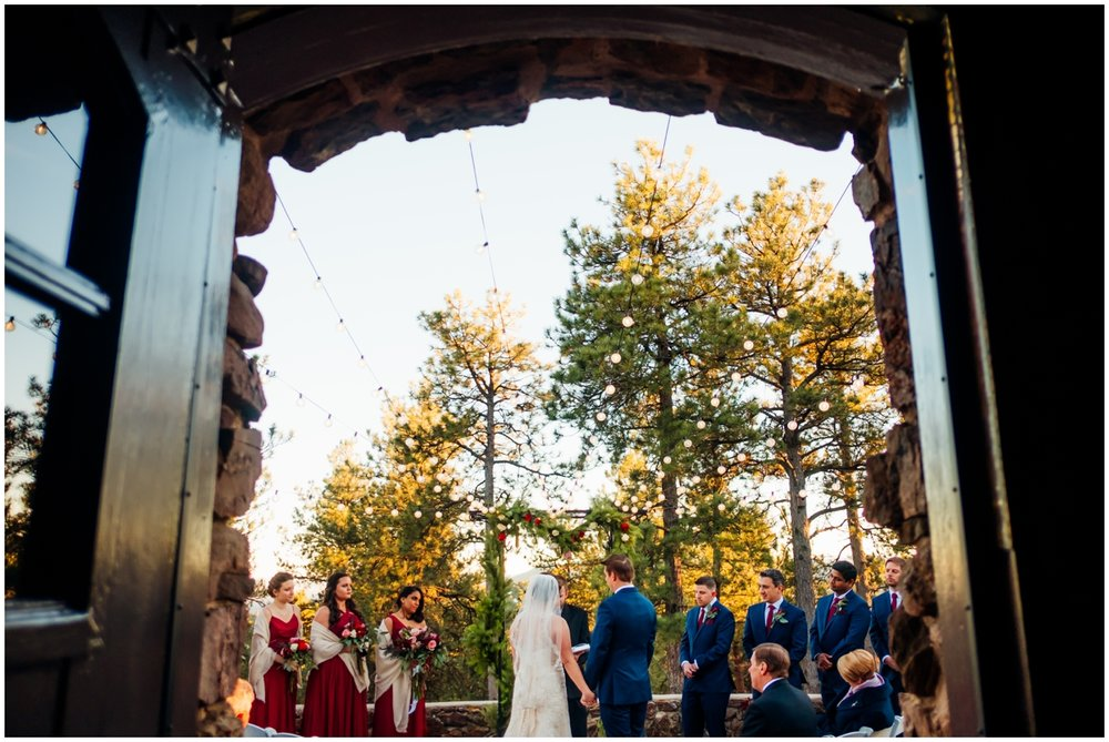 Simply elegant group planned this Colorado wedding