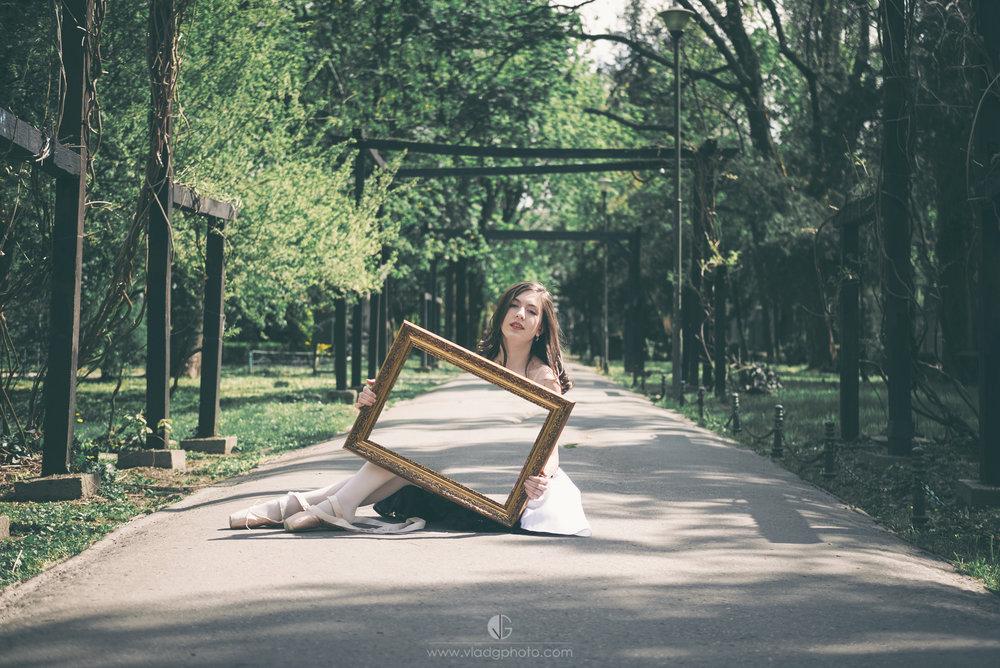 See through Frame.jpg