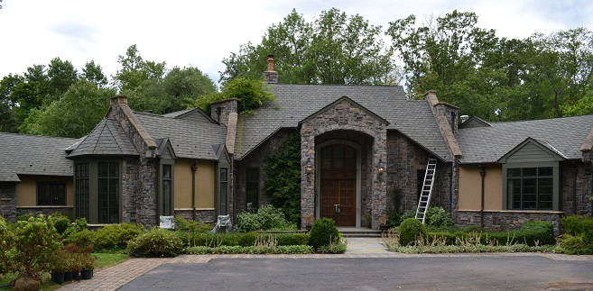 large home painting by exterior painting company