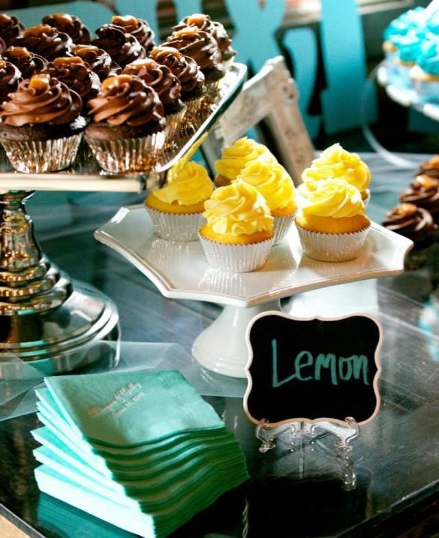 signs cupcakes.jpg