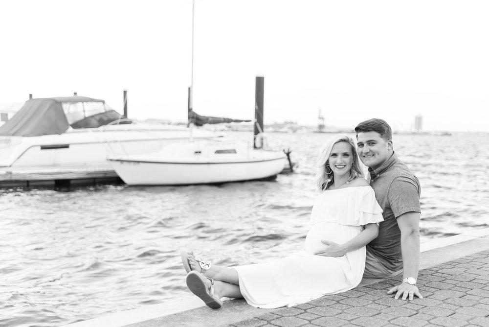 Kelli + Greg Maternity Photos (120 of 150).jpg