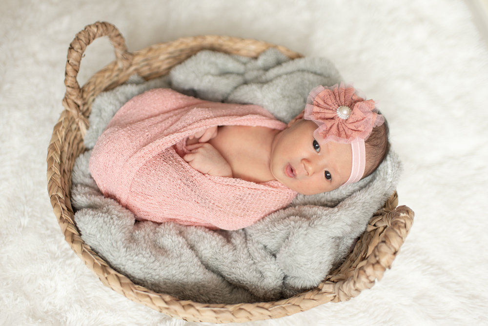 Walman Newborn Session (25 of 80).jpg