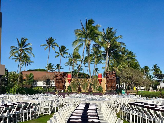The only time we have empty seats at our luau is before check in ✅😍🌴 . Book your seats TODAY because they're selling quickly for the summer! ☀️#kauai #luau #auliiluau #sheratonkauai #sheraton #poipu #poipubeach