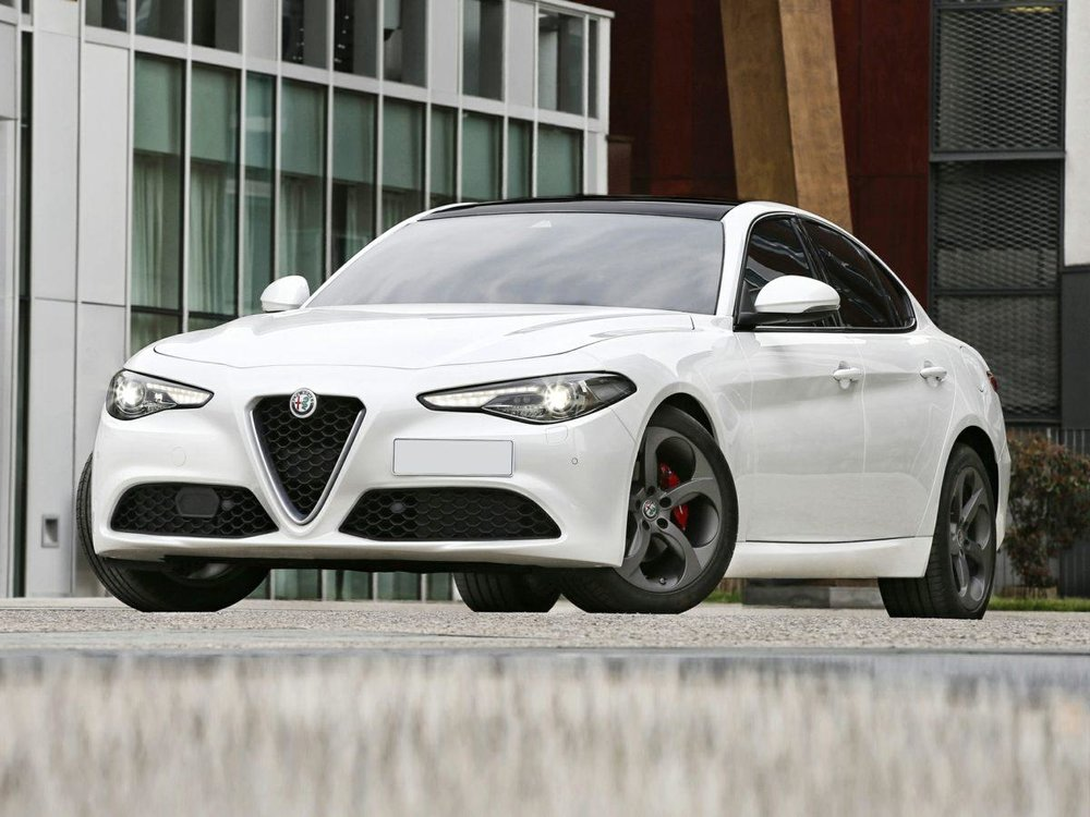 Participants will have the opportunity to shoot with this 2018 Alfa Romeo Guilia!!!
