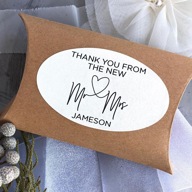 Beautifully modern, these labels are a fun way to personalise your wedding favours.  #weddingfavours #weddingstickers #mrandmrs #weddingthankyou
