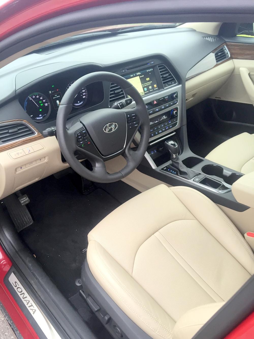2016 Hyundai Sonata Hybrid(11).JPG