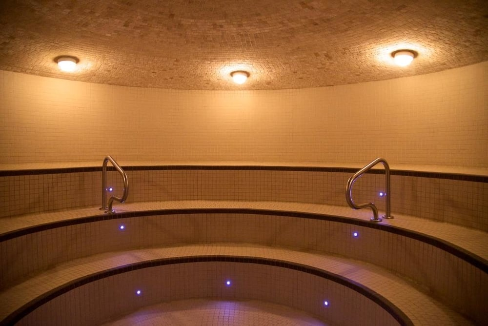 steam room 2.jpg