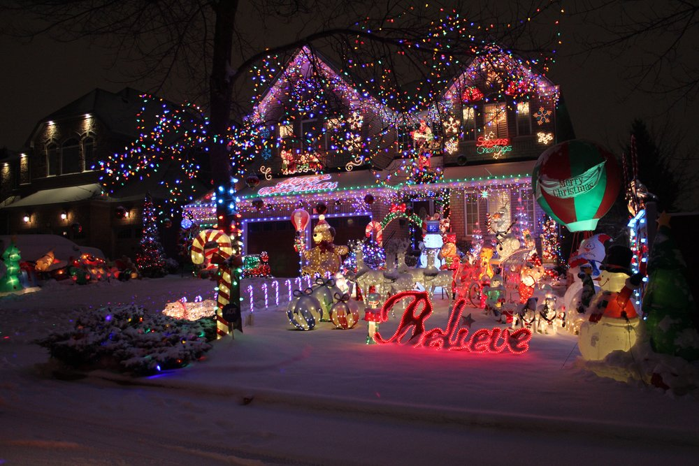 7 beautiful spots to see christmas lights decor in mississauga modern mississauga media