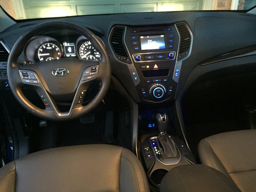 Modern motoring 6 takeaways from the 2017 hyundai santa - Hyundai santa fe sport interior photos ...
