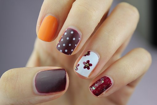 nail-art-2688565__340.jpg