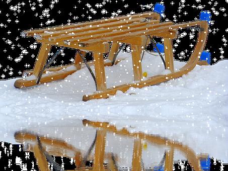 Modern Mississauga sledding.png