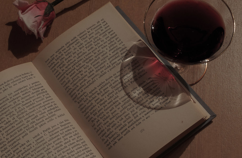 book-wine-roseeee.jpg