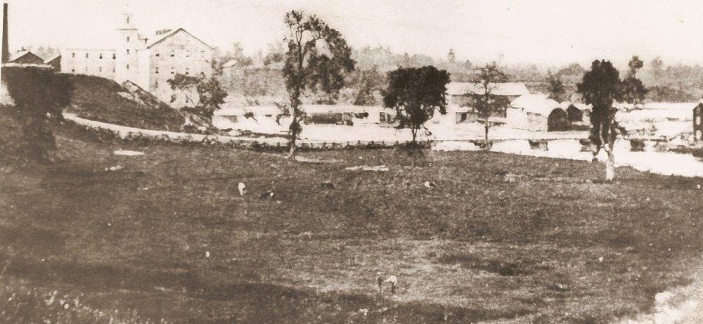 Hyde's Ontario Mills and Ker's Bobbin Factory, Streetsville, c1900.JPG