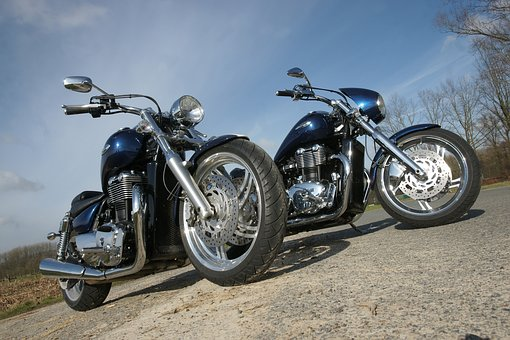 motorcycle-3314457__340.jpg