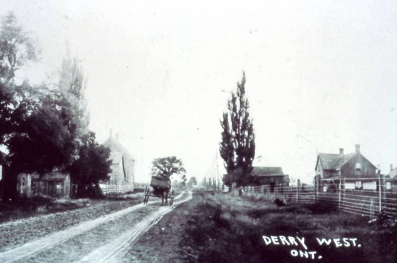 Modern Mississauga Derry West - Looking East along Derry Road, c1900.jpg