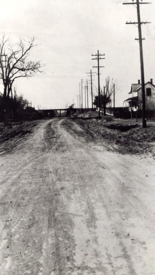 Hurontario Street, looking north from Dundas Street, Cooksville, c1910