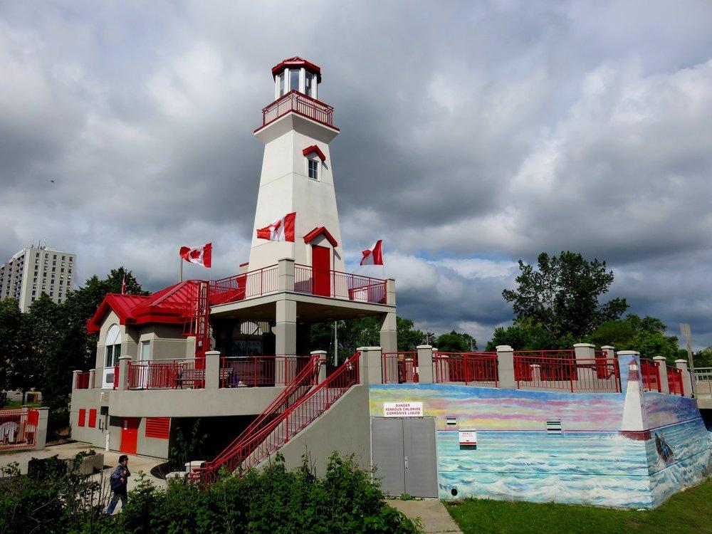 Port Credit Lighthouse.jpg