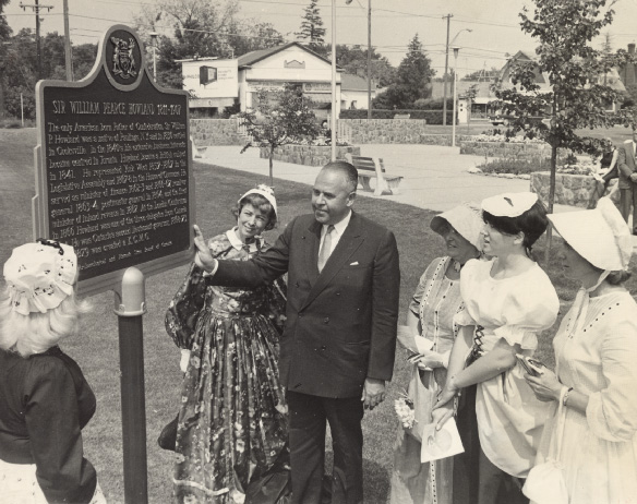 Unveiling of Howland Plaque at Confederation Square.jpg