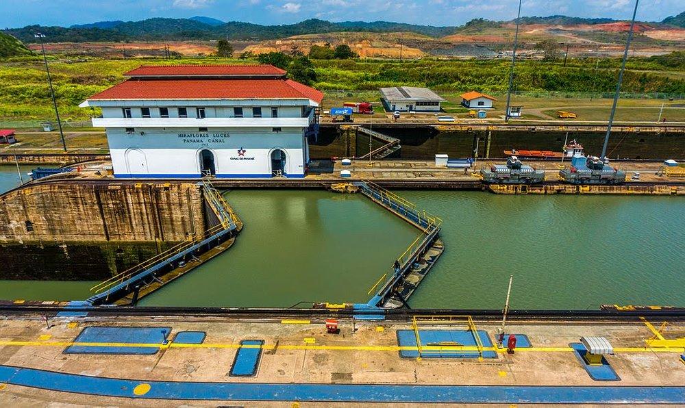 credit wikipedia Miraflores_Locks_Panama_canal.jpg