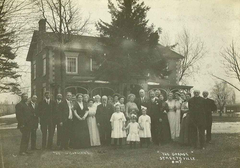 O'Connor and O'Gorman house and family, c1920.jpg