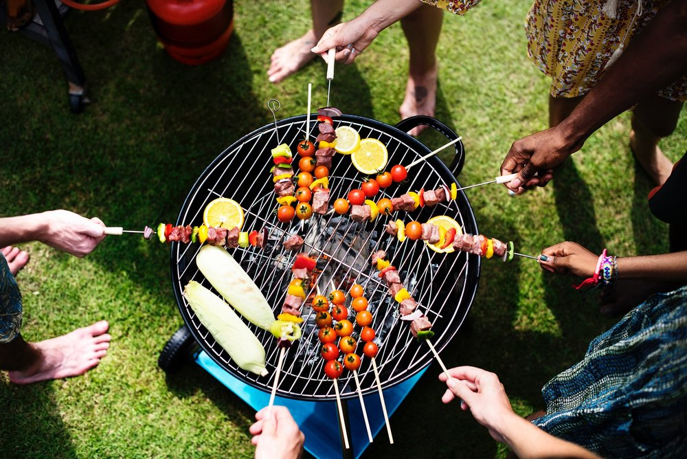 adults-aerial-barbecue-1260310.jpg