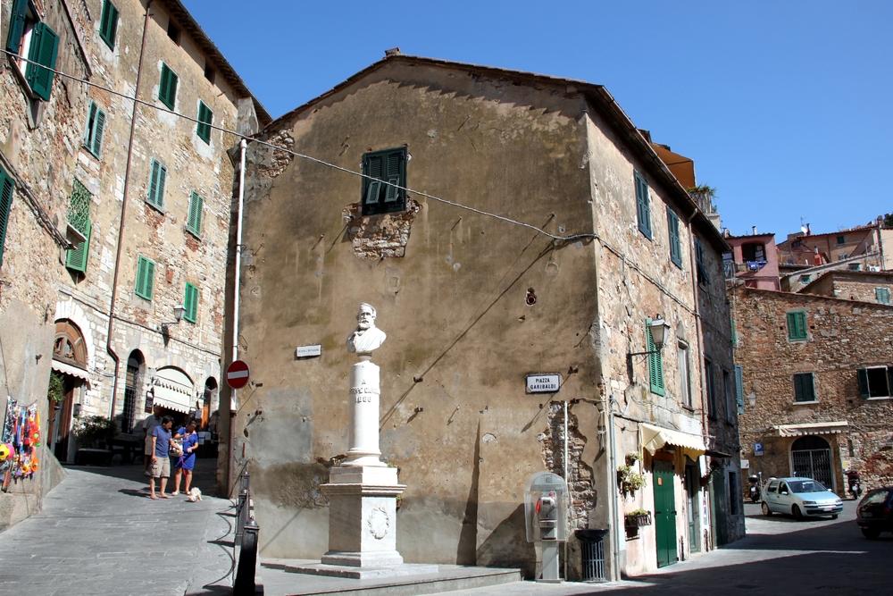 Piazza Caribaldi