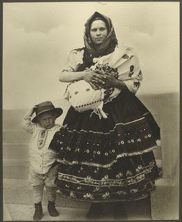 baby-sling-no-copyright.jpg