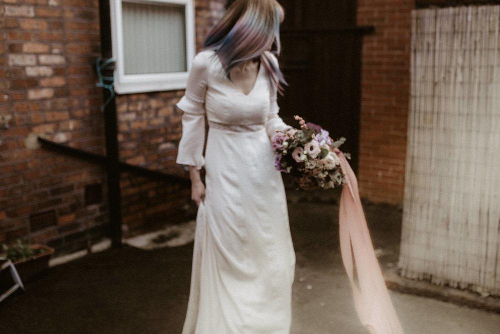 alt_thenortherngirlphotography_liverpool_couples_weddingphotographer_photographer_wedding_boda_fotografodebodas_fotografobodasbarcelona_bodaindie_bodasconestilo_antique-38.jpg