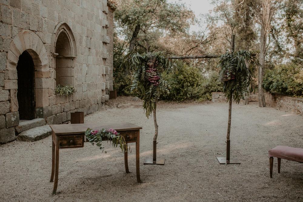 alt_thenortherngirlphotography_couples_weddingphotographer_photographer_wedding_boda_fotografodebodas_fotografobodasbarcelona_bodaindie_bodasconestilo_bodaensantperedeclara_jennifermiguel-416.jpg