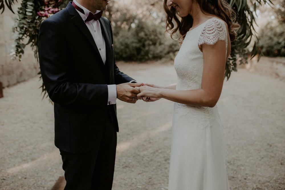 alt_thenortherngirlphotography_couples_weddingphotographer_photographer_wedding_boda_fotografodebodas_fotografobodasbarcelona_bodaindie_bodasconestilo_bodaensantperedeclara_jennifermiguel-362.jpg