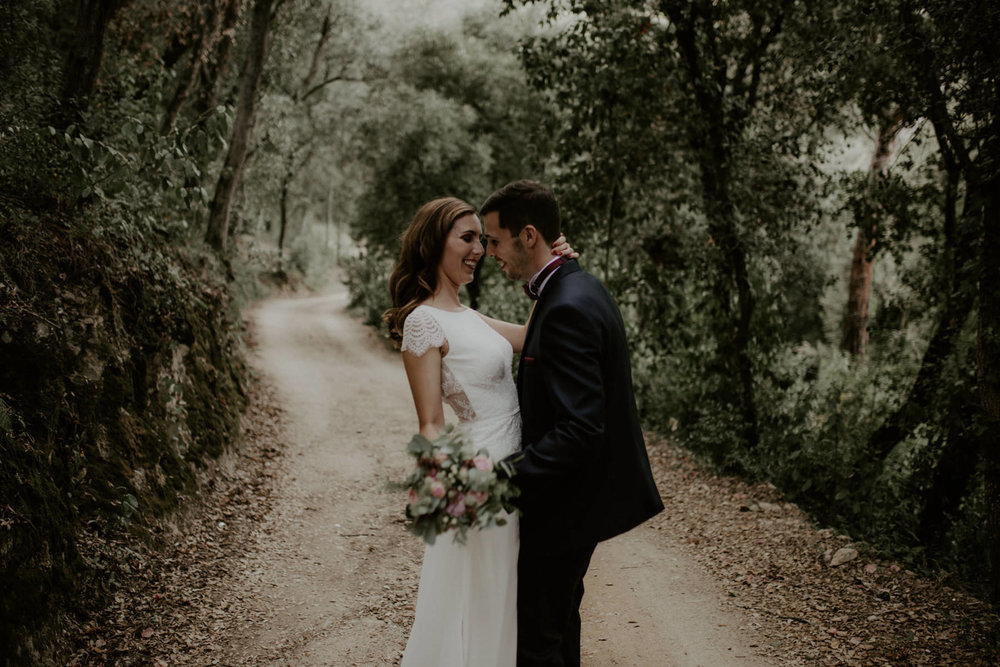 alt_thenortherngirlphotography_couples_weddingphotographer_photographer_wedding_boda_fotografodebodas_fotografobodasbarcelona_bodaindie_bodasconestilo_bodaensantperedeclara_jennifermiguel-534.jpg