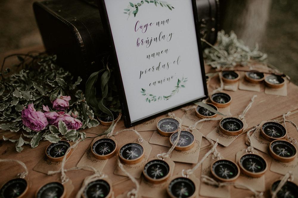 alt_thenortherngirlphotography_couples_weddingphotographer_photographer_wedding_boda_fotografodebodas_fotografobodasbarcelona_bodaindie_bodasconestilo_bodaensantperedeclara_jennifermiguel-576.jpg