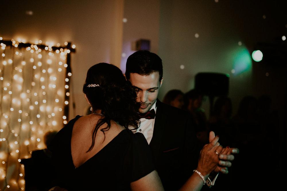 alt_thenortherngirlphotography_couples_weddingphotographer_photographer_wedding_boda_fotografodebodas_fotografobodasbarcelona_bodaindie_bodasconestilo_bodaensantperedeclara_jennifermiguel-981.jpg