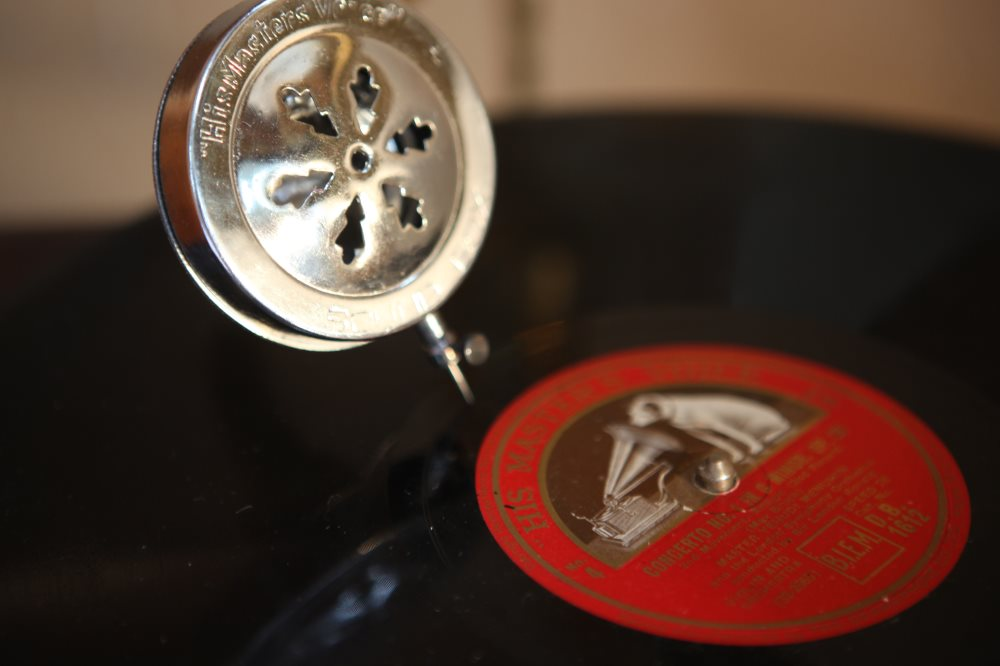 Close up of gramophone needle