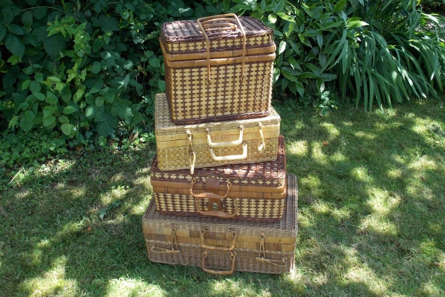 Picnic Baskets & Hampers