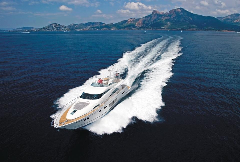 Luxury yacht charter sorrento Capri