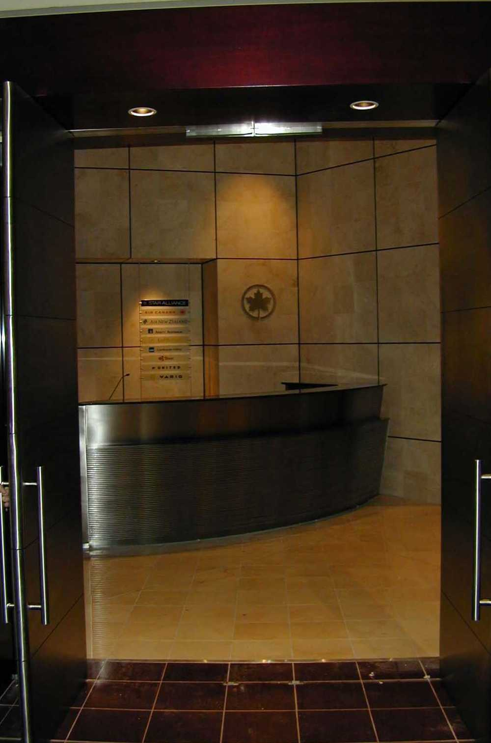 Maple Leaf Lounge Interior 6.jpg
