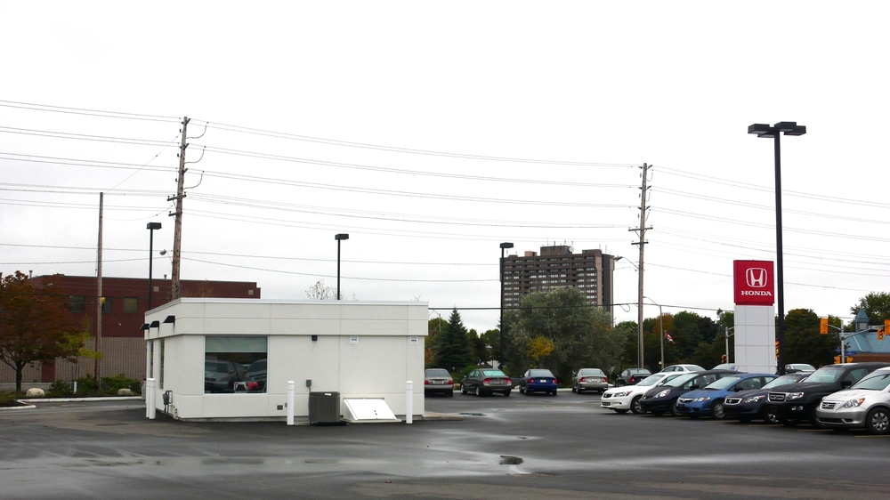 Hunt Club Honda Exterior 1.JPG