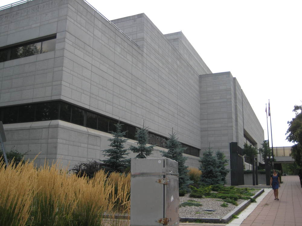 Ottawa Courthouse exterior 07.JPG
