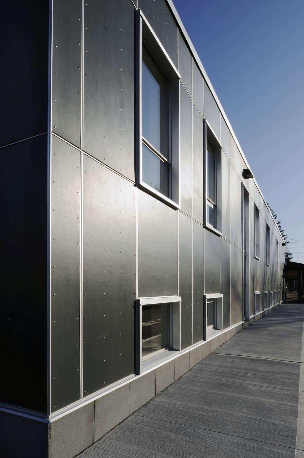 Emmanuel Exterior 03.jpg