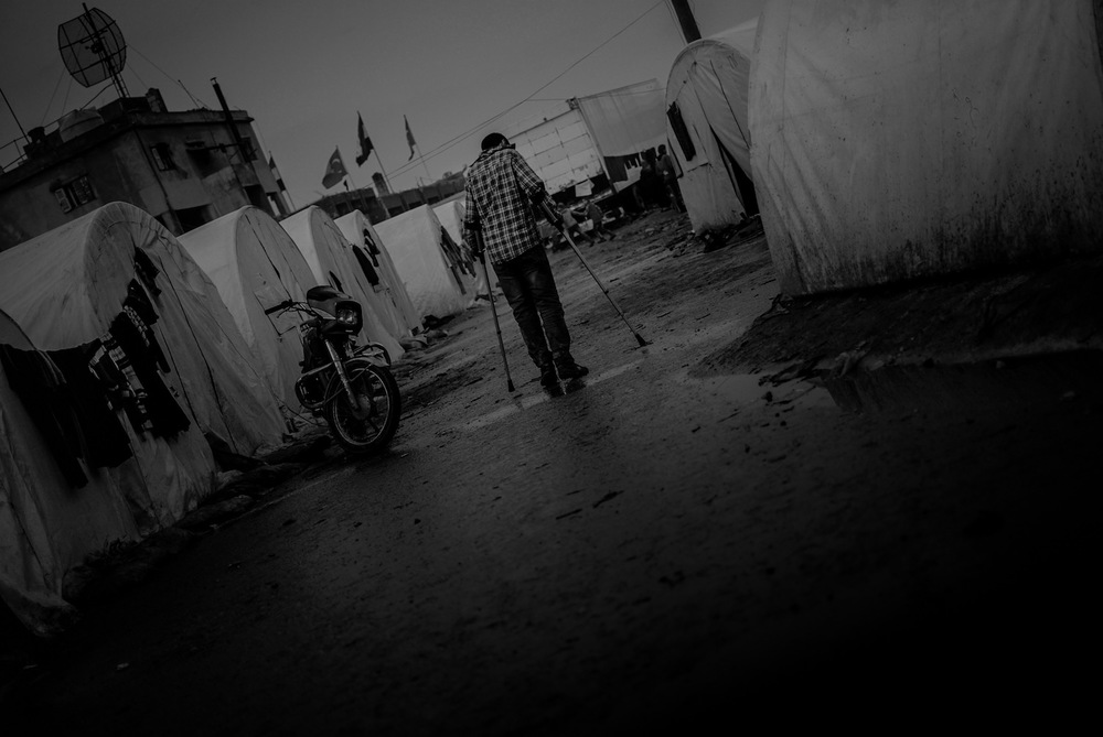 Syria.  Refugee in a camp close to the Turkish border