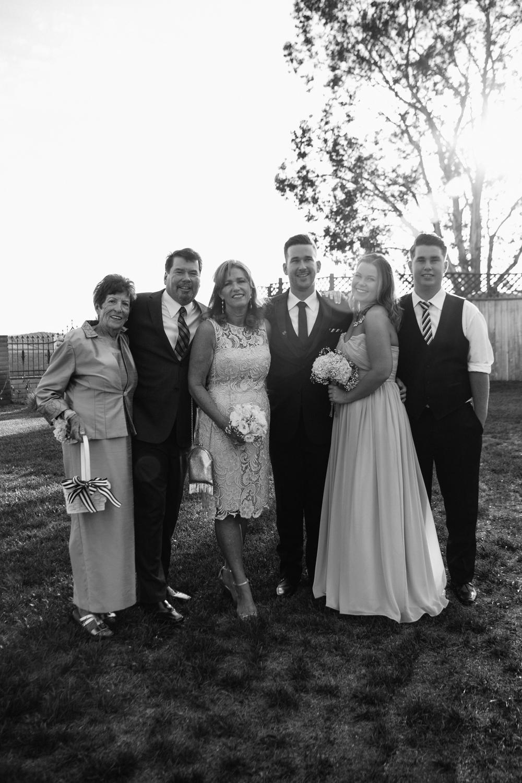 KaraNixonWeddings-Hayes-family-1.jpg